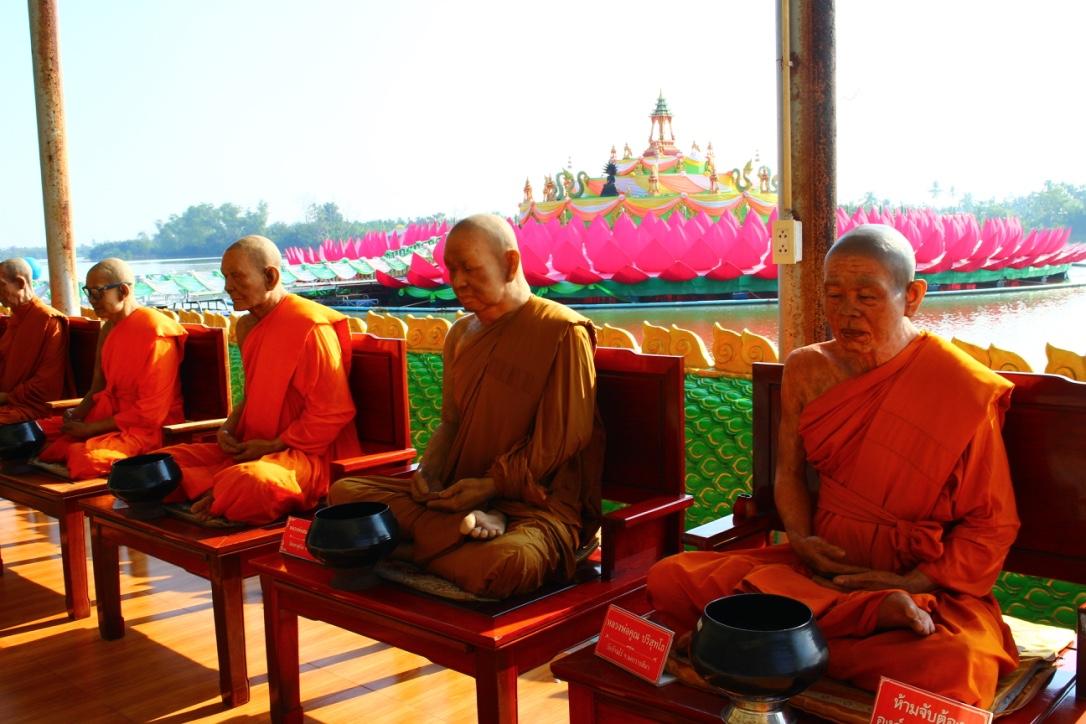 ワットサマーンの僧侶
