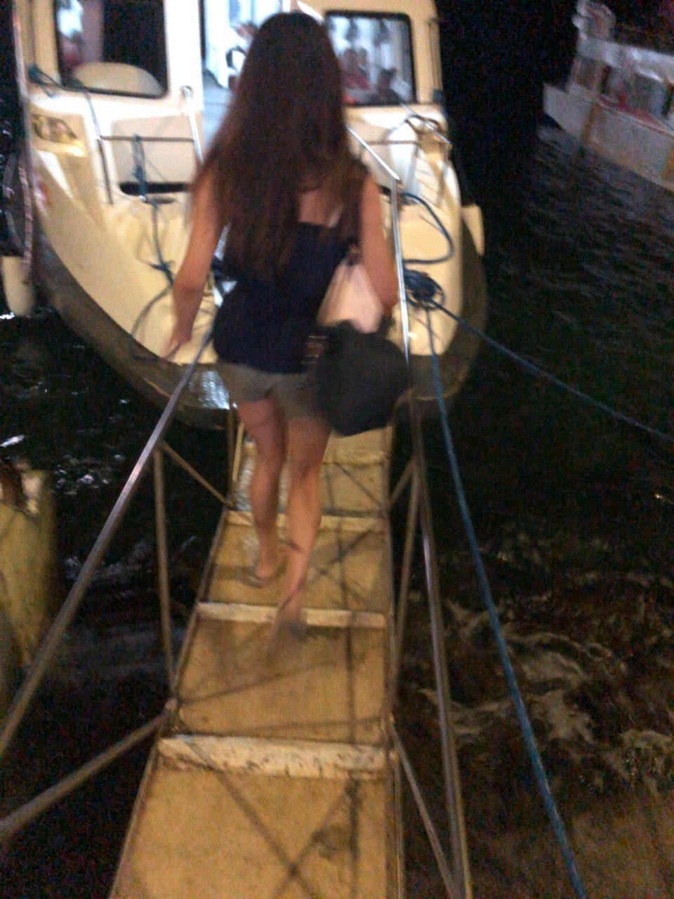 ボラカイ島へのフェリーに乗船