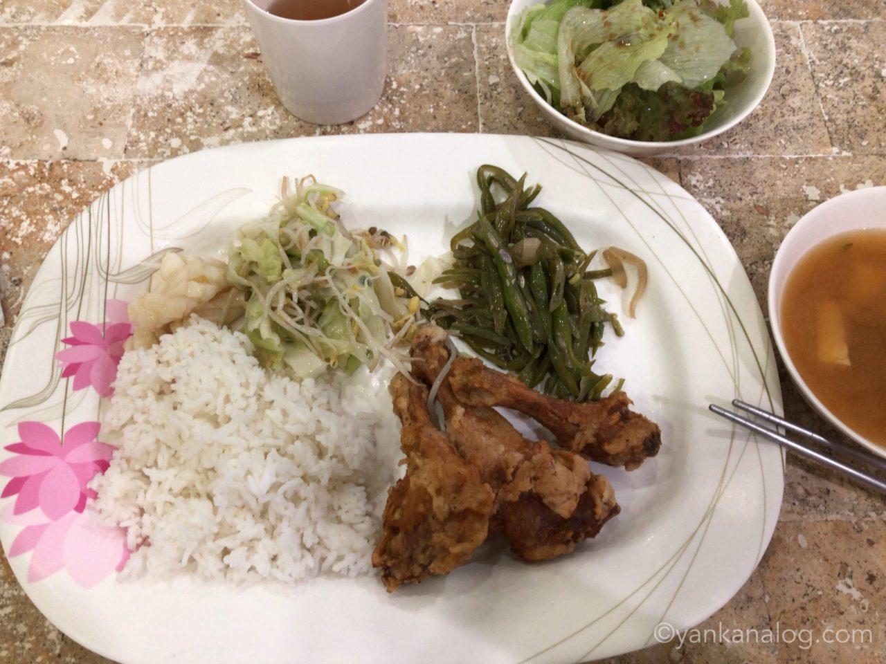 QQEnglishシーフロント校の食事1
