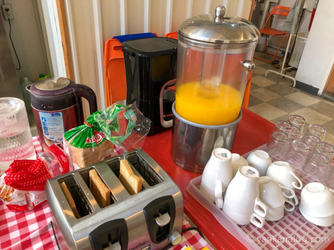 ムービーロッジの朝食2