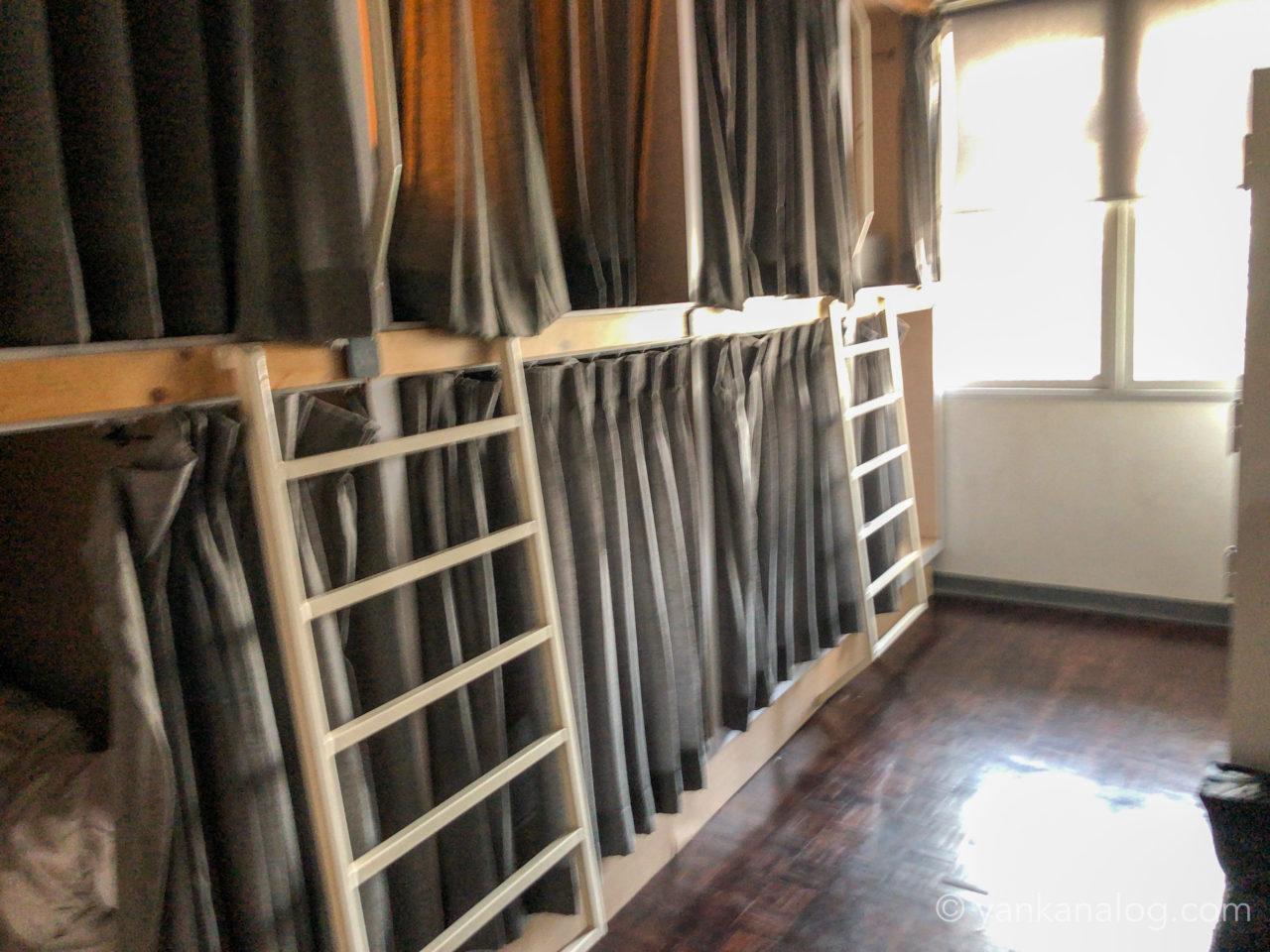 ムービーロッジの部屋2